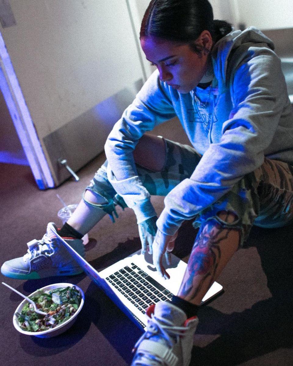 Adidas clipart nike air 'Pure Wearing Kehlani 16 Yeezy