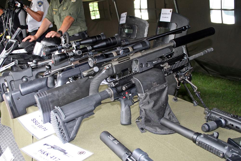 Assault Rifle clipart g27p Koch Heckler Jump & Wikipedia