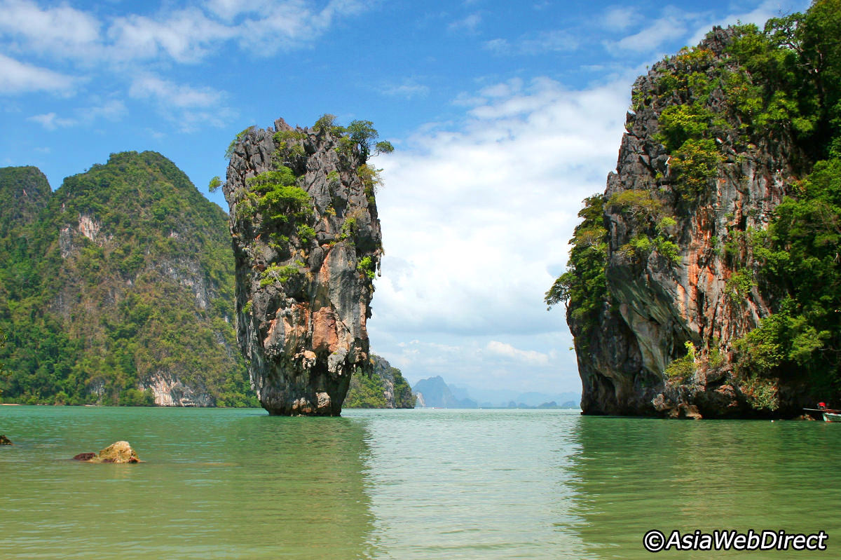 Bay clipart body water Island Phang James Phuket Bond
