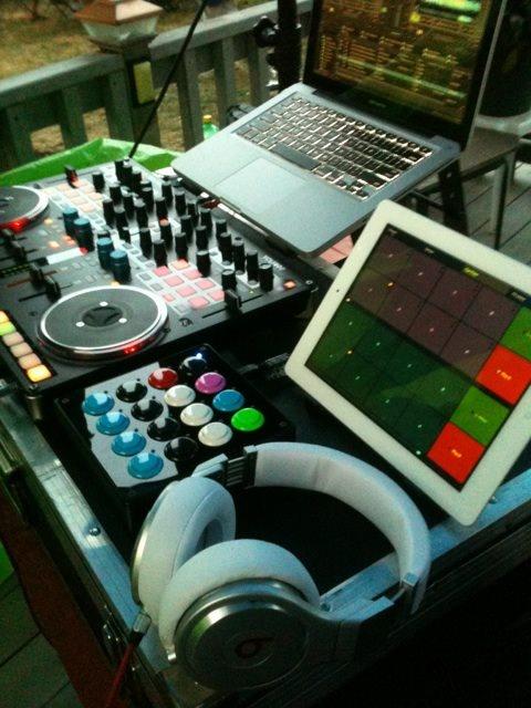 Beats clipart dj equipment Pro (Traktor New 5)* 400
