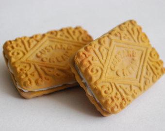 Biscuit clipart custard cream Cookie brooch Cream Custard Cushion