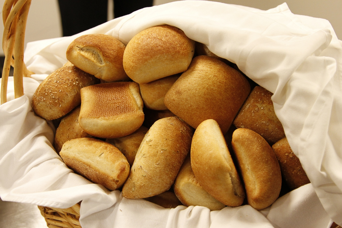 Bread clipart dinner roll  jpg large dinner /food/breads_and_carbs/bread