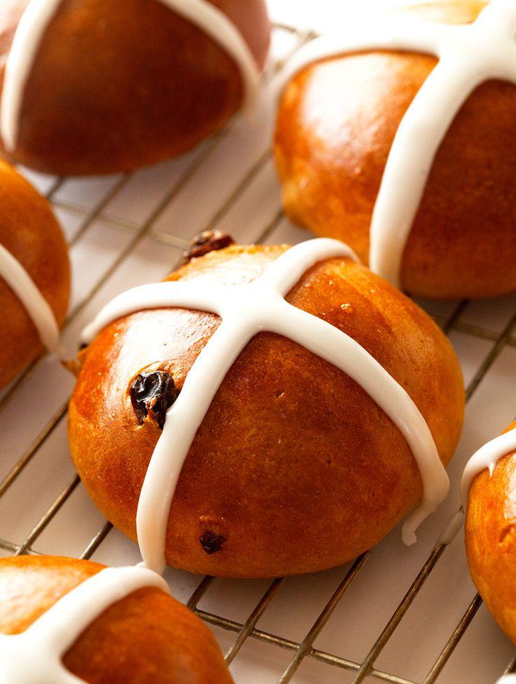 Bread Roll clipart hot cross buns  Pin Buns Pinterest and