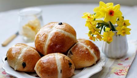 Bread Roll clipart hot cross buns Buns Cross  Buns Cross