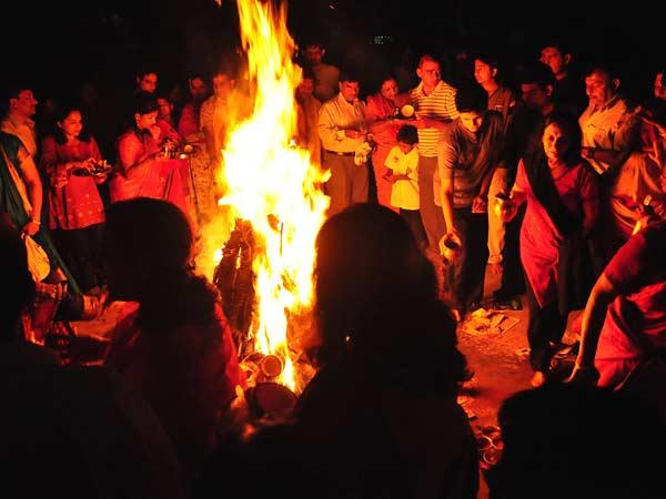 Camp Fire clipart holi Festival 3) Badi  The