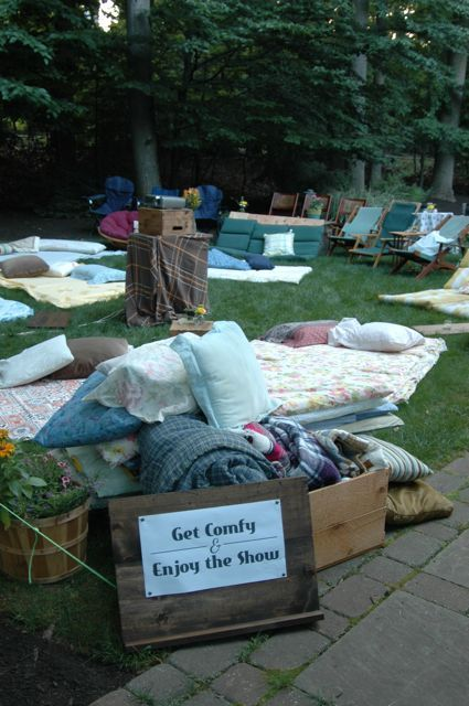 Changing To Night  clipart outdoor movie screen Thrift Theater 229 Movie pillows