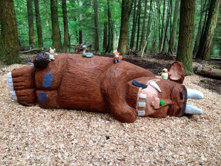 Dark Wood clipart gruffalo Giant the deep  Gruffalo