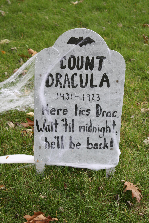 Dracula clipart halloween tombstone  Halloween Homemade tombstone/gravestone DRACULA