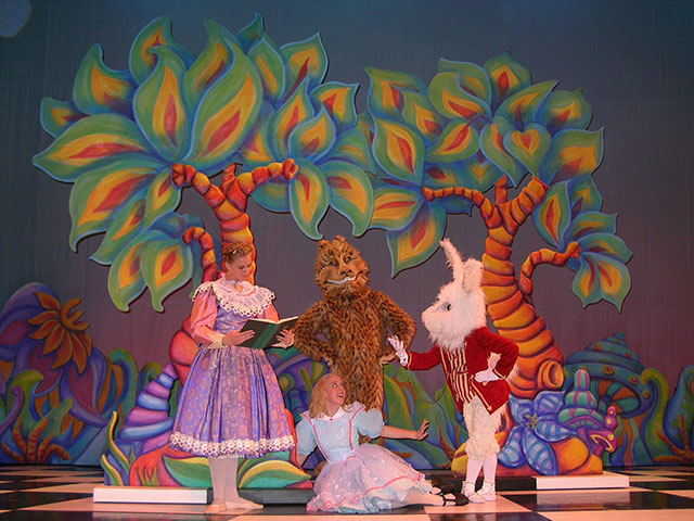 Drawn alice in wonderland scenery Of painted set in ideas