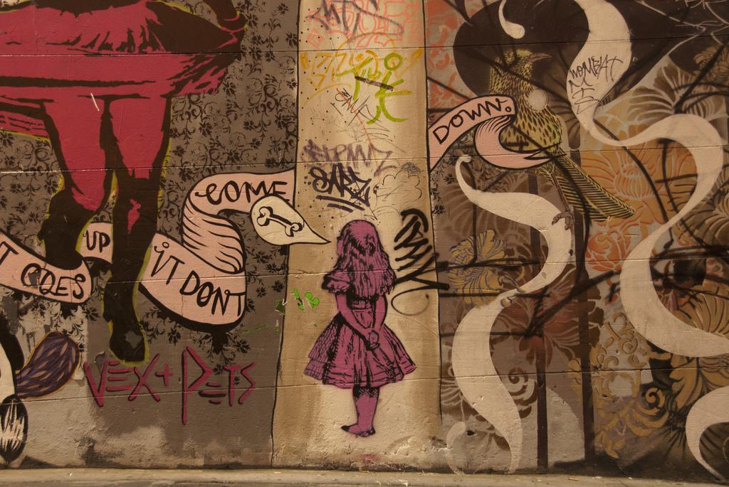Drawn alice in wonderland street art #10