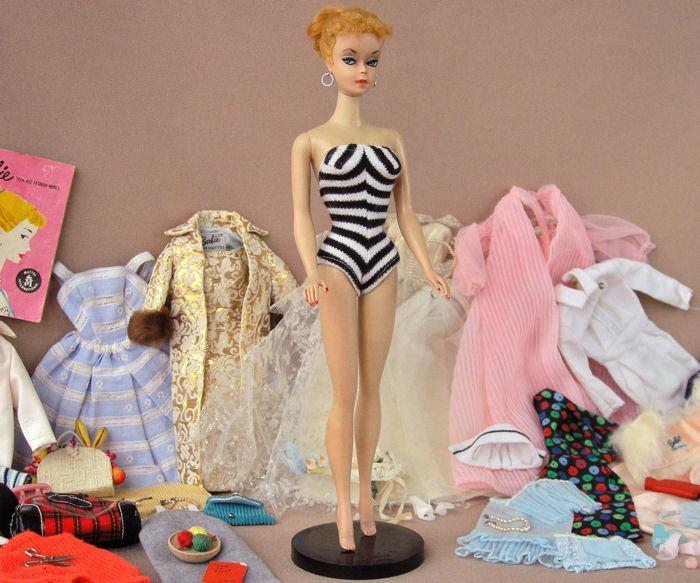 Drawn barbie original Collecting Barbie Vintage  Dolls