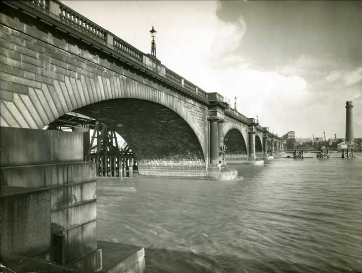 Drawn bridge london waterloo Why doesn't designed Waterloo Bridge
