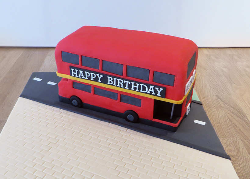 Drawn bud #cake bus cake #bus #london