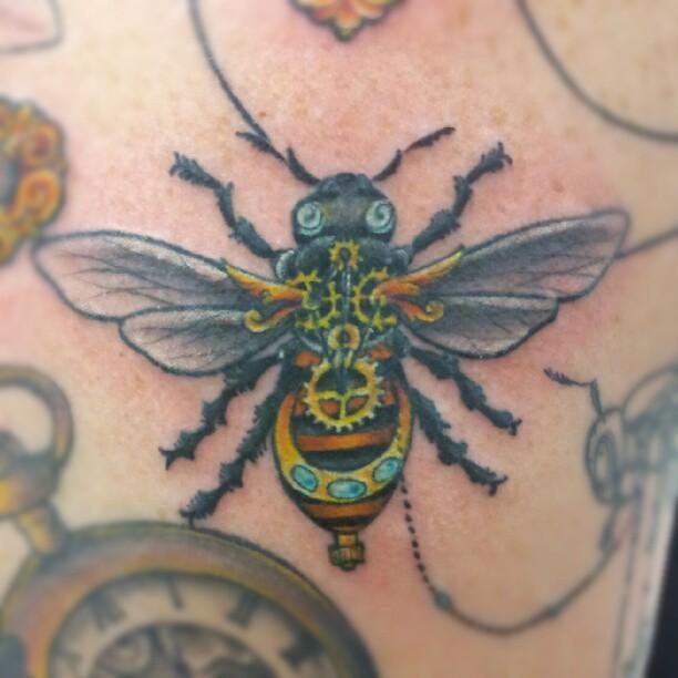 Drawn bumblebee steampunk Steampunk Bee tattoo and Steampunk