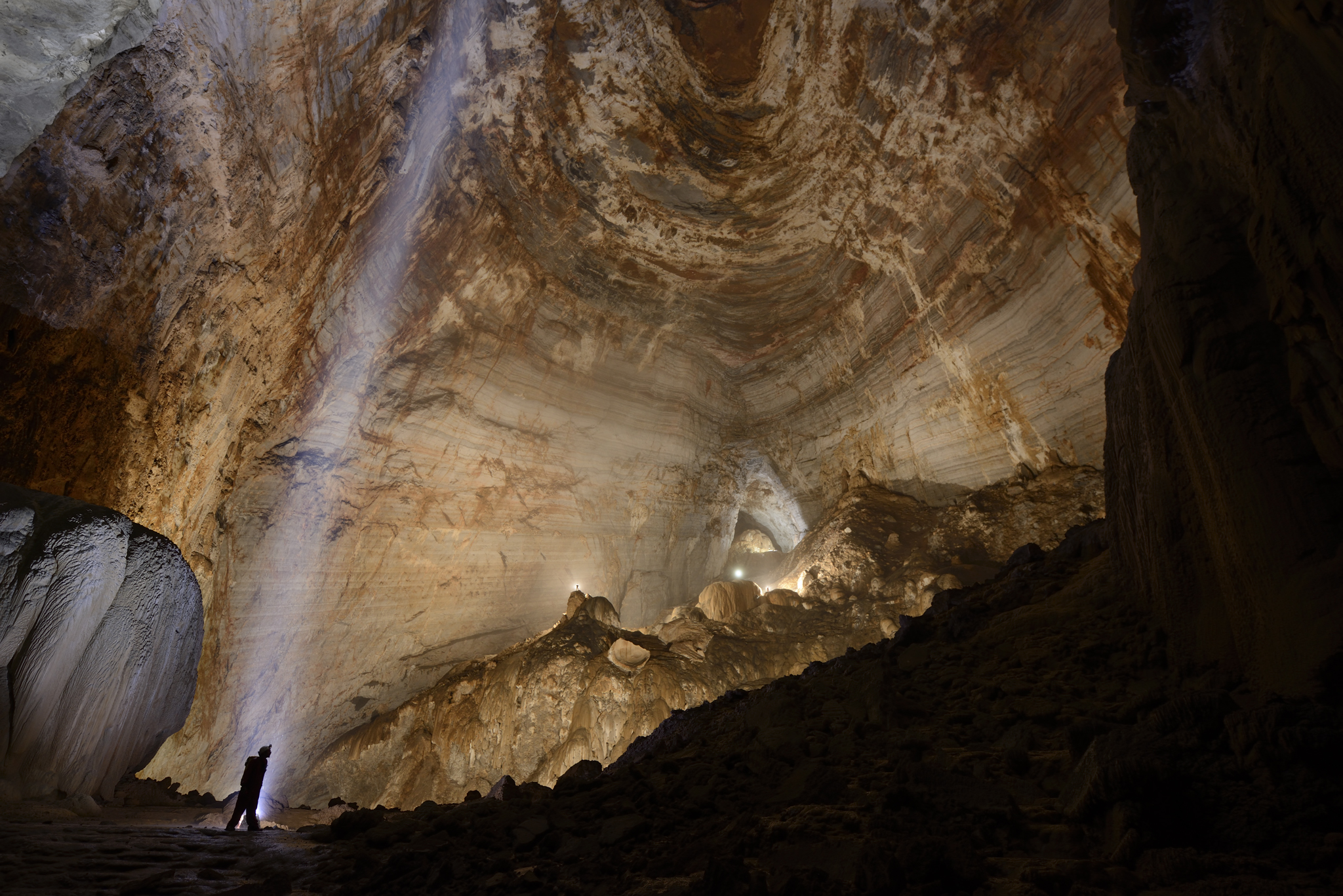 Drawn cavern subterranean Geographic Rock  National of