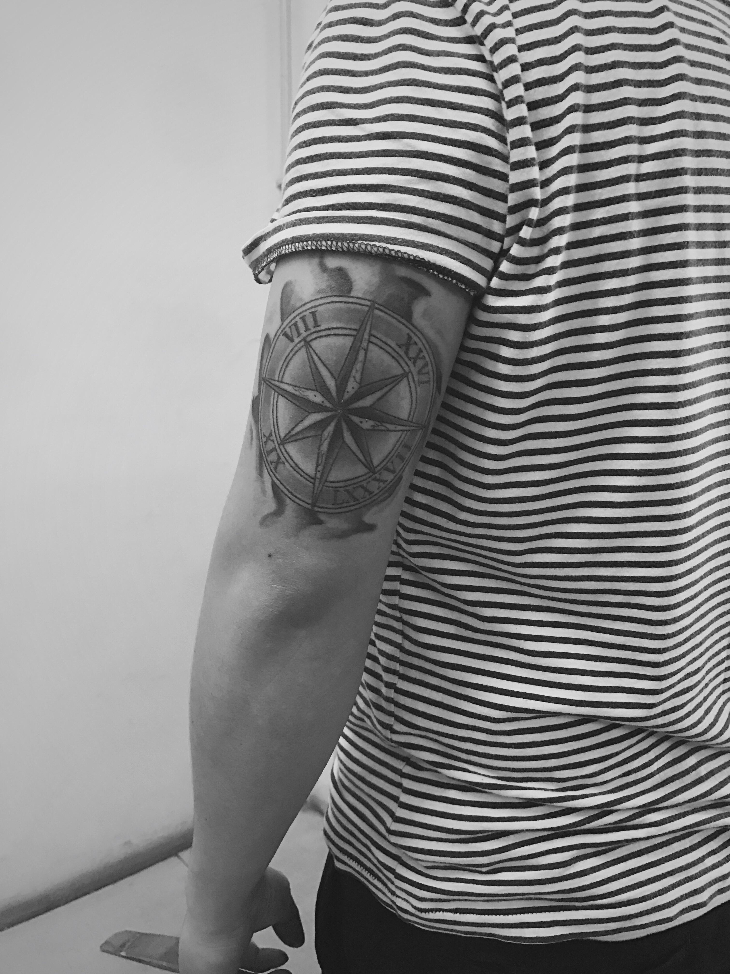 Drawn compass roman It tattoo 17 Feb 17