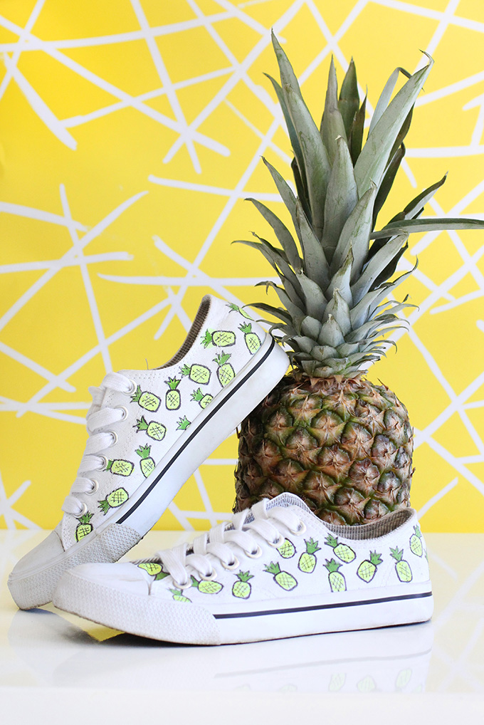 Drawn converse canvas shoe Pineapples plain these for white