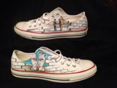 Drawn converse pink One hand a shoes of