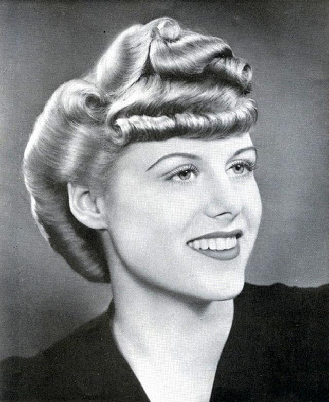 Drawn dall woman hairstyle #8