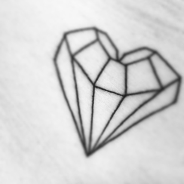 Drawn hearts diamond Diamond heart tattoos couple Pinterest