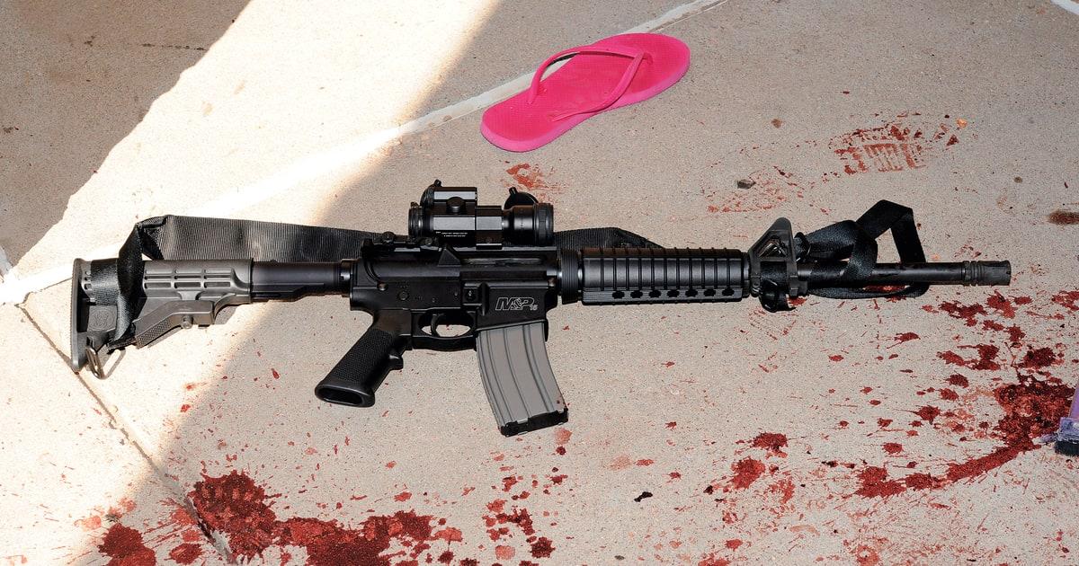 Drawn gun ar 15 Of  AR How Mass