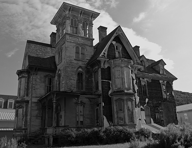 Drawn haunted house realistic Trick visiting Realistic Haunted very