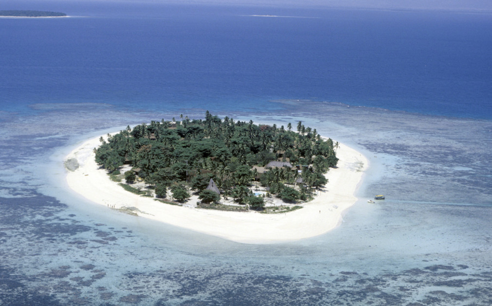 Drawn islet fiji & Treasure Resorts  Island