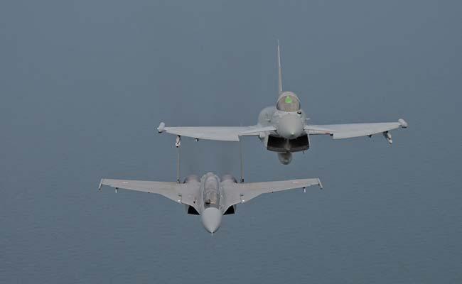 Drawn jet air force Sukhois Exercises Air UK Indian