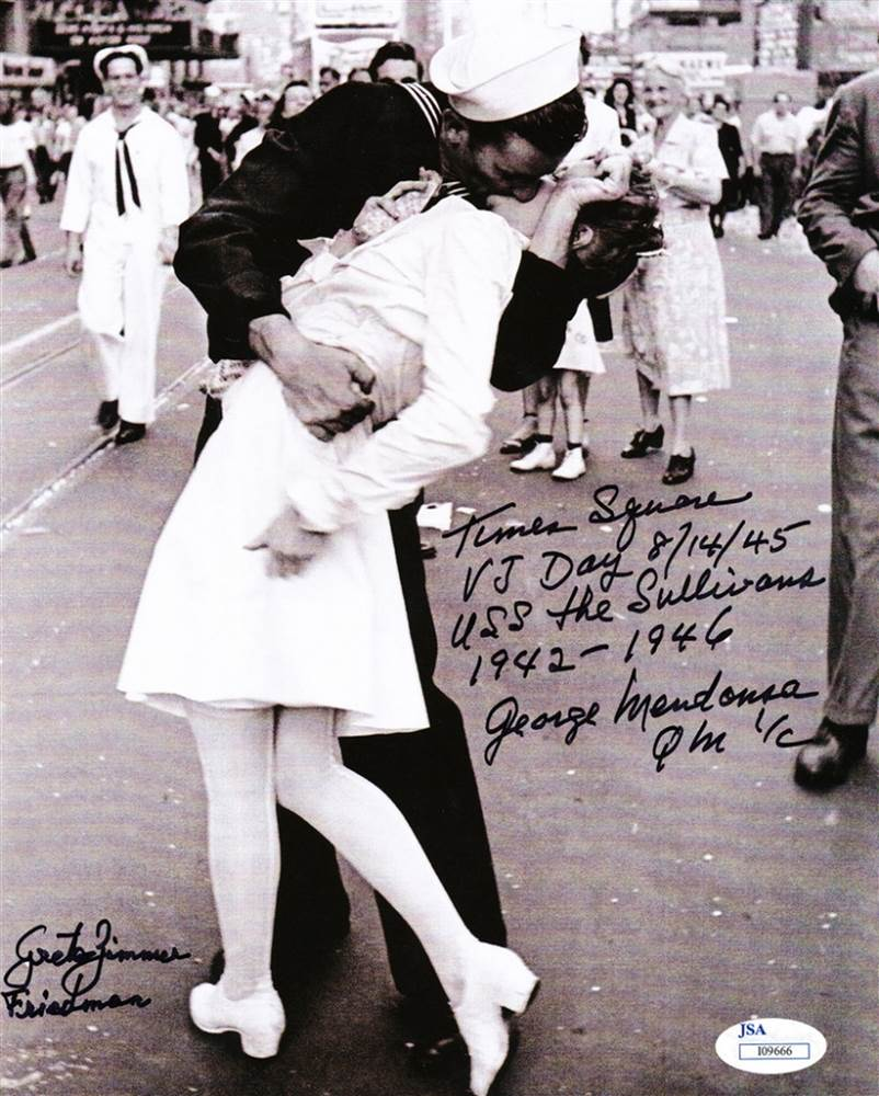 Drawn kisses ended the war WWII Zimmer  Photo Dies
