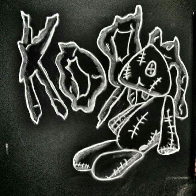 Drawn korn black and white N best 1119 black Korn