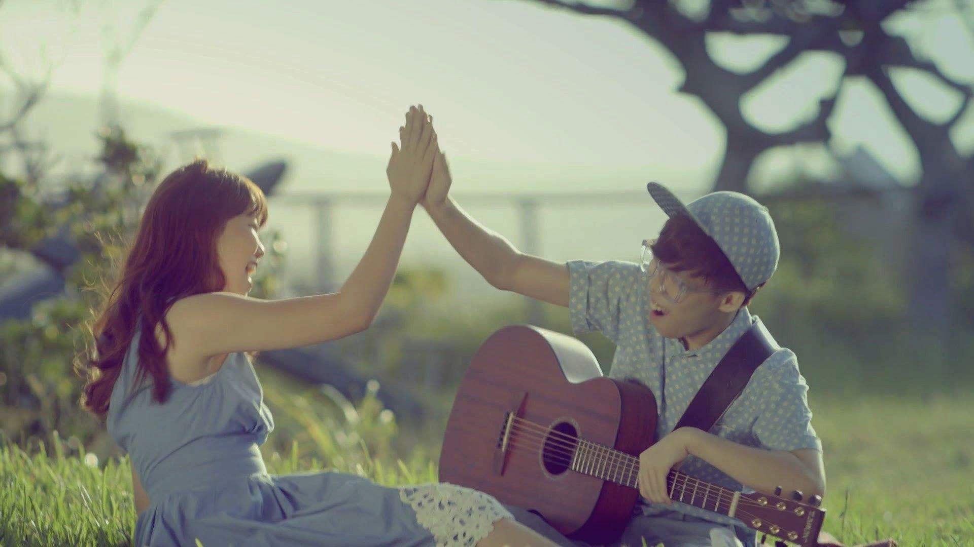 Drawn musician lov Musician(AKMU) YouTube M/V LOVE GIVE
