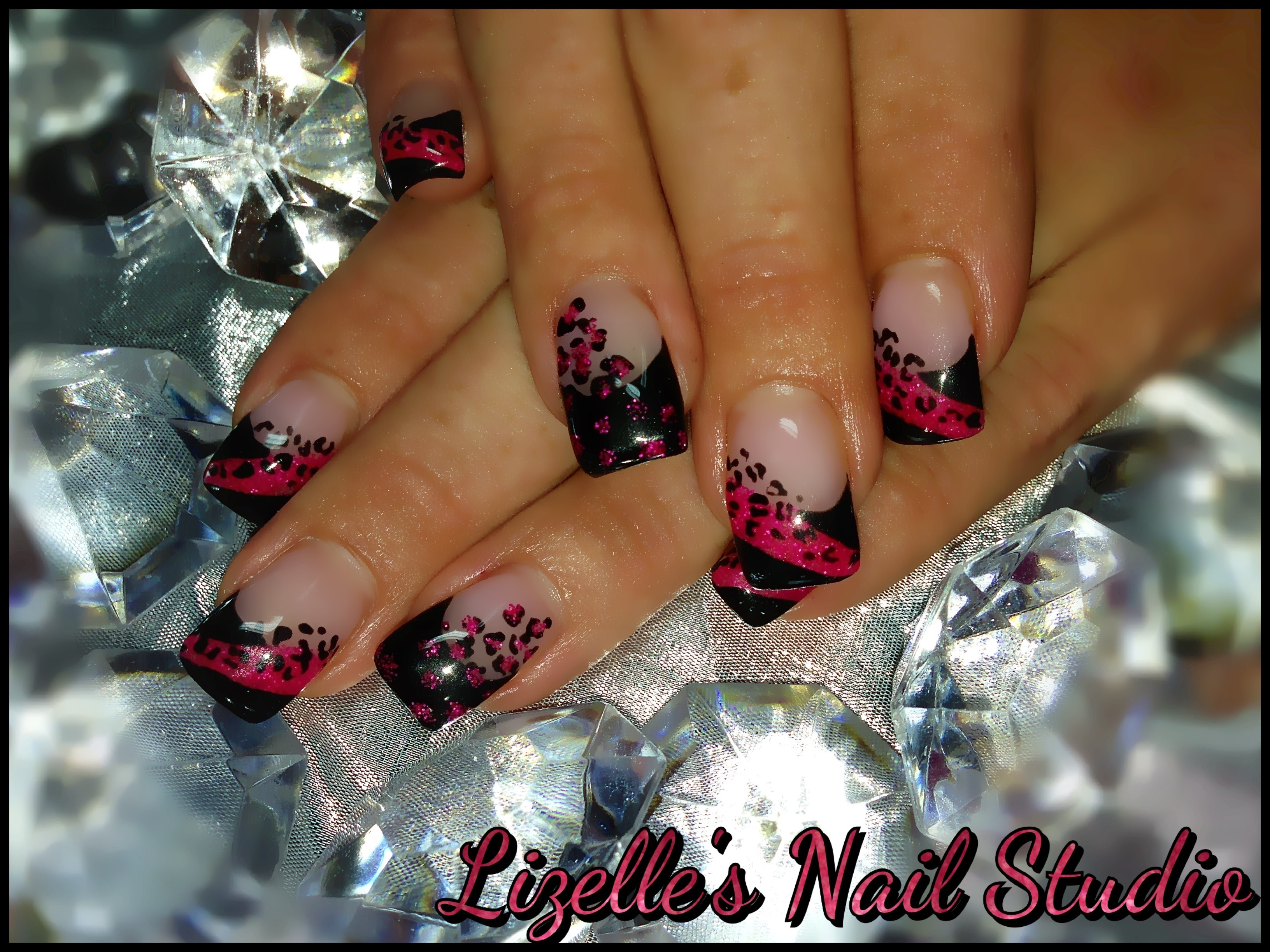 Drawn nail leopard Nail design with tips Black