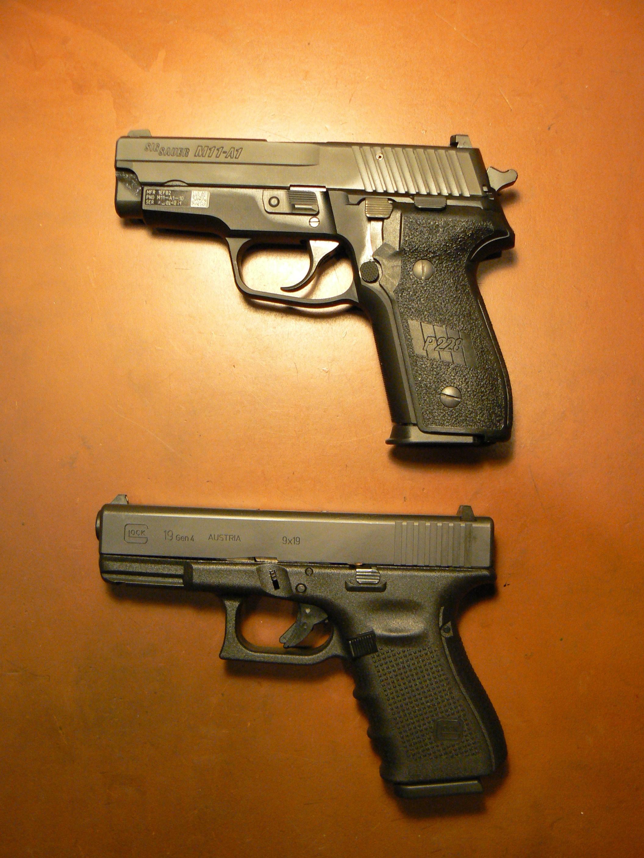 Drawn pistol glock 19 Gen Group 19 Glock The