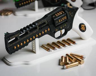 Drawn pistol realistic Quinn quinn Suicide Weapon Gun