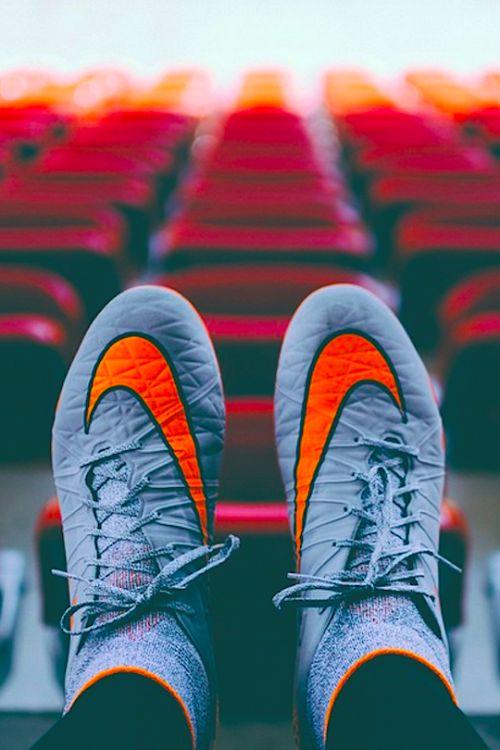 Drawn pokeball nike soccer Penfornis 92 Pinterest LVSH Football