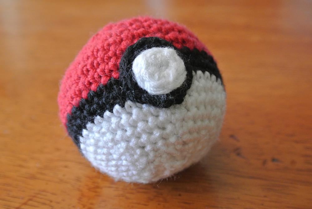 Drawn pokeball yarn By crochet pattern wolfdreamer pokemon