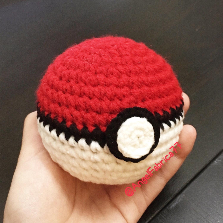 Drawn pokeball yarn Poke Crochet Ball Pokemon Like