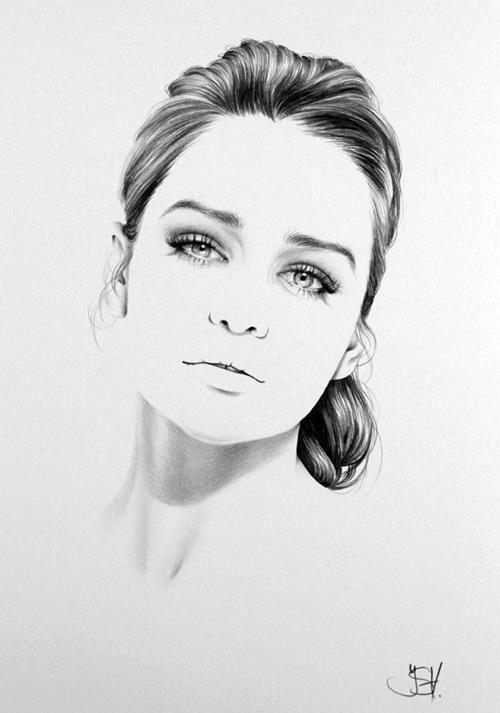 Drawn portrait hype Graphite Kalia drawings Emmy #fashion