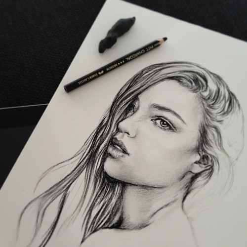 Drawn portrait tumblr drawing Related Girl Draw Pinterest Girl