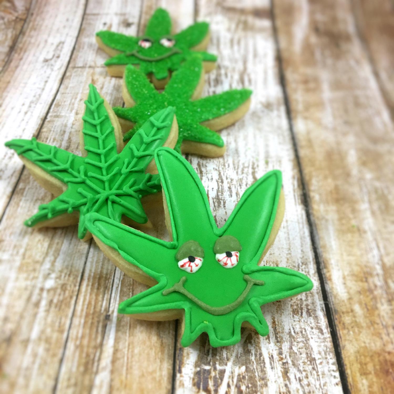 Drawn pot plant stoned Dozen marijuana leaf pot Stoned
