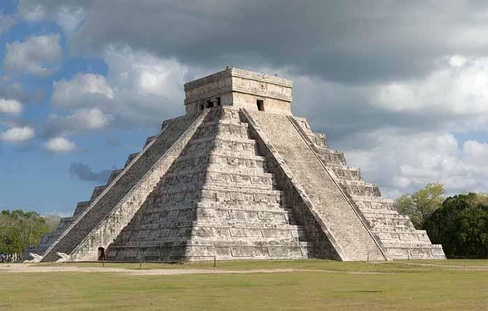 Drawn pyramid aztec pyramid El of Kukulkan Castillo Temple
