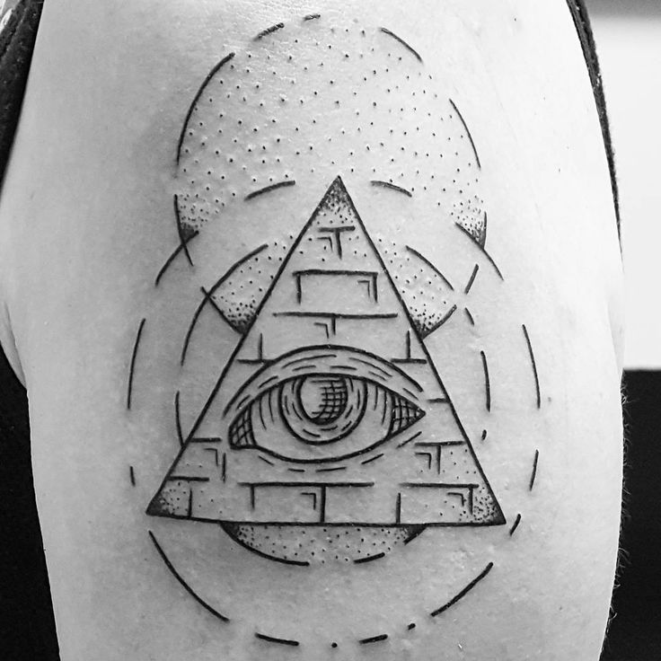 Drawn pyramid geometric Tattoo Try Pyramid Egyptian tattoo