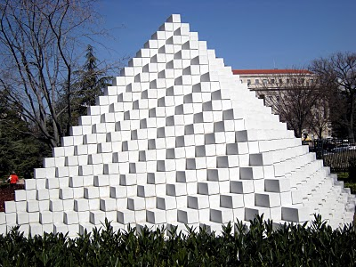 Drawn pyramid optical illusion Optical Illusion The Optics Pyramid
