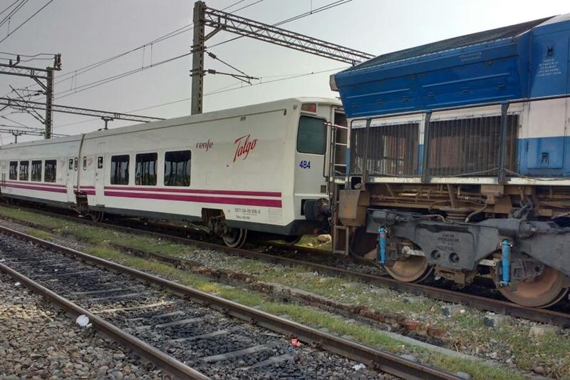 Drawn railroad superfast What's Talgo's train trial: talgo