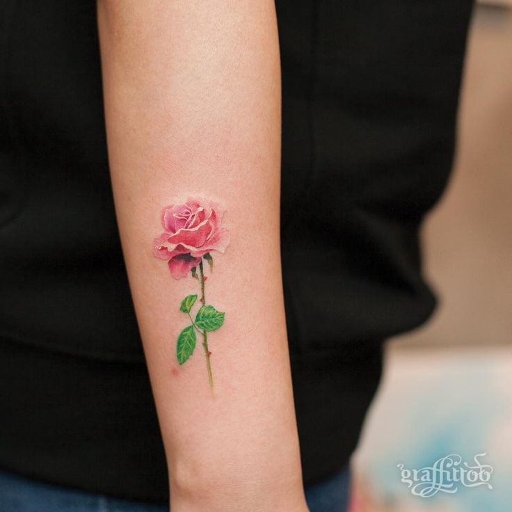 Drawn red rose small On Best rose de @graffittoo