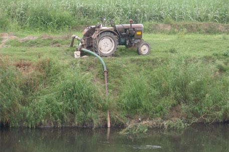 Drawn river nirmal nadi Kali Kang) Farmers water curse