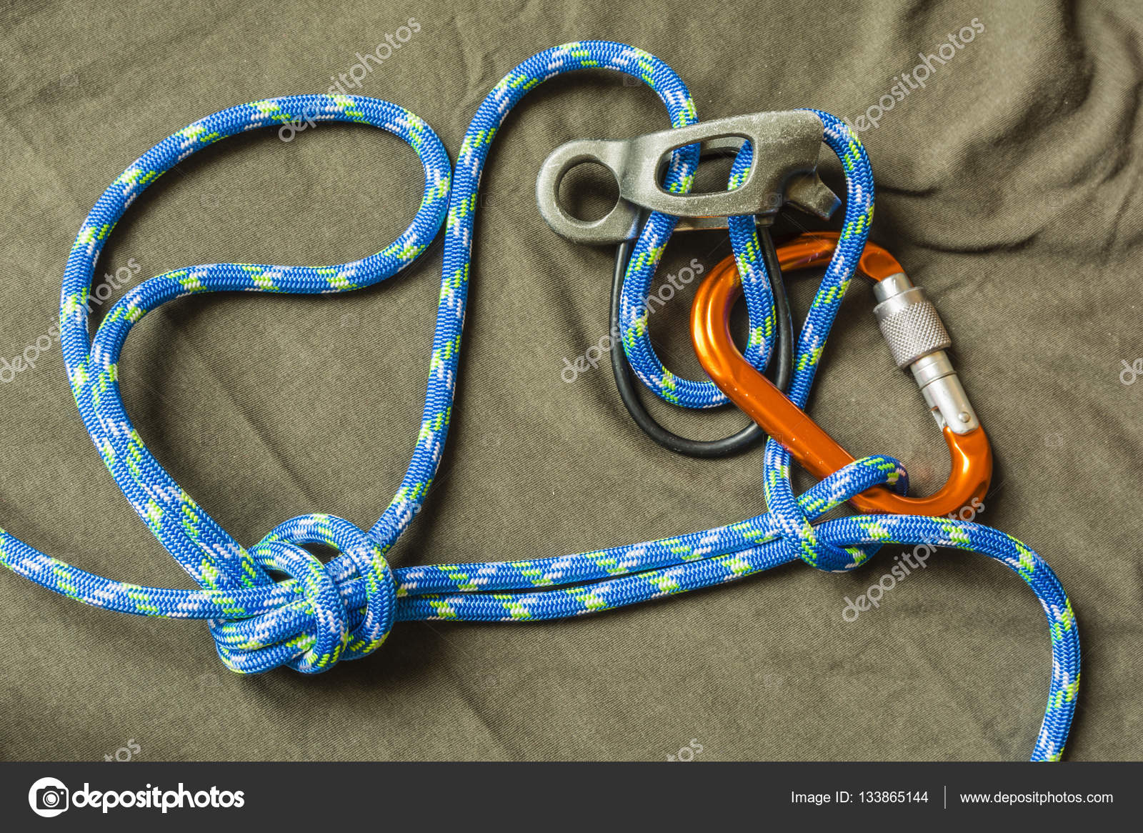 Drawn rope loop drawing A additional — Tied rappel