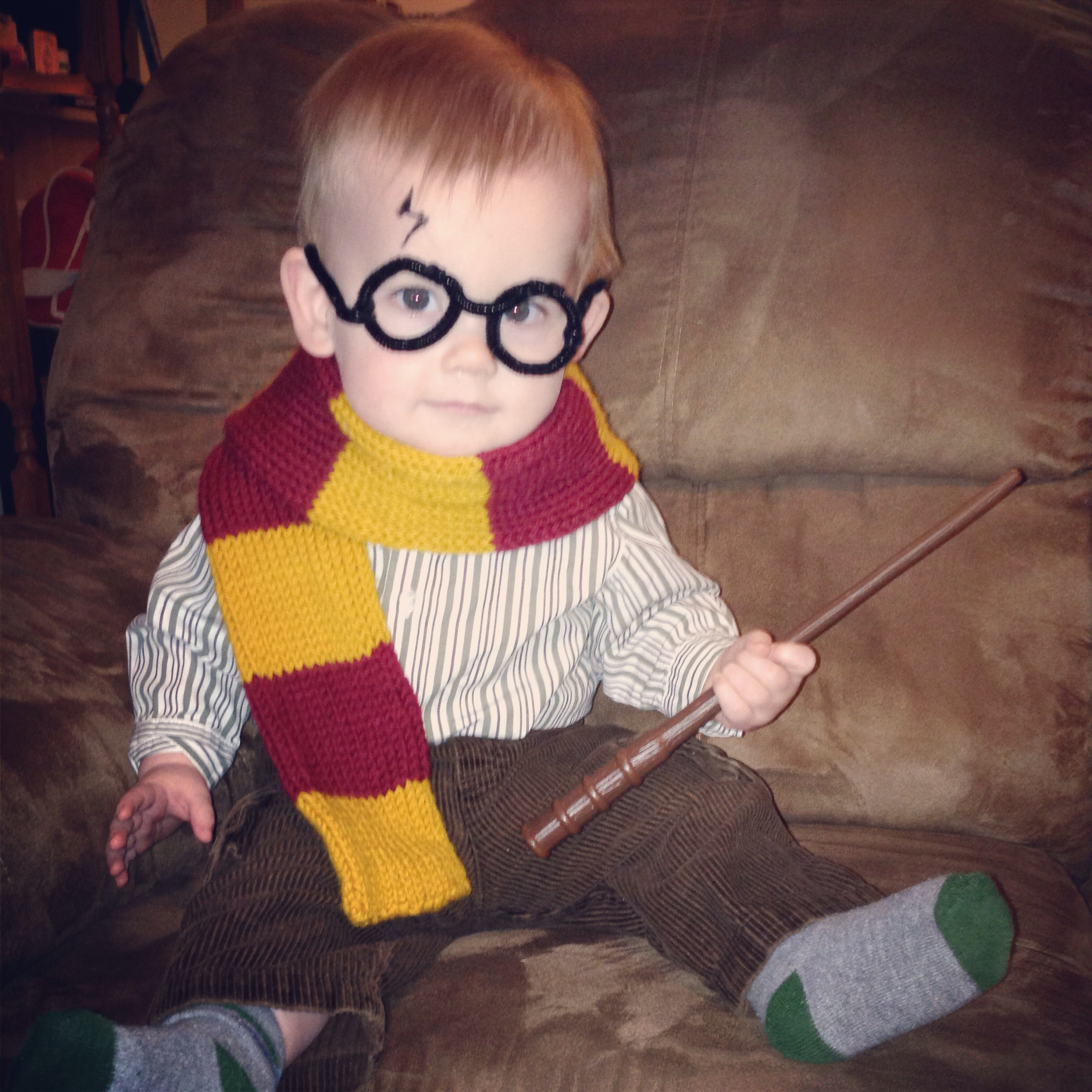 Drawn scarf child For Gryffindor Potter scarf Harry