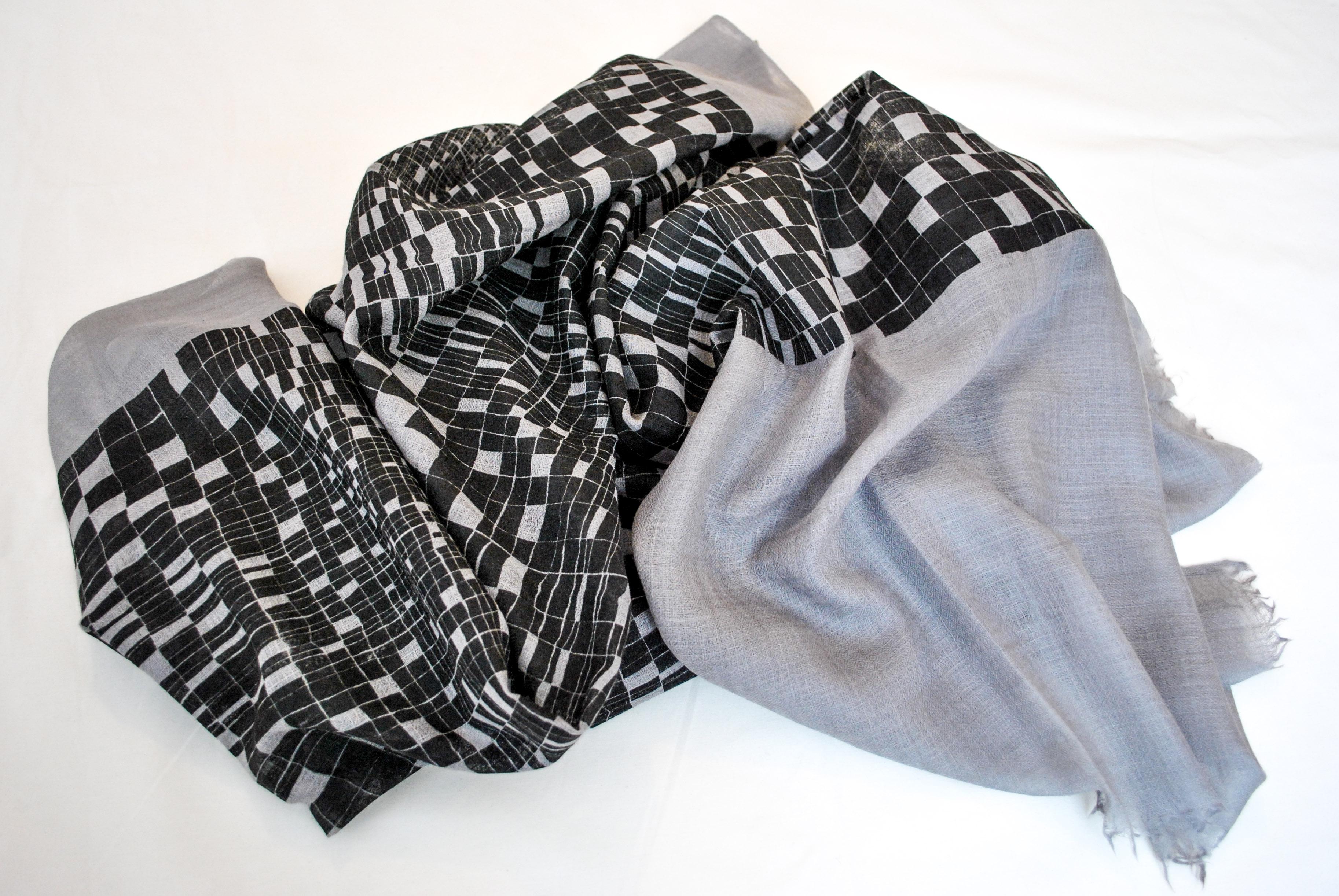 Drawn scarf printed CHESSPUZZLE: a handprinted 100% drawn