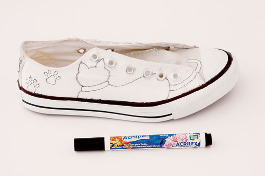 Drawn shoe canvas shoe Ideas black silhouettes diy kittens